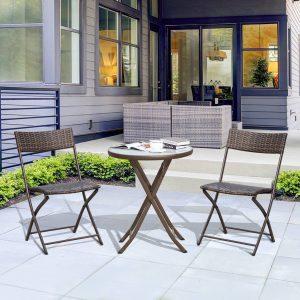 Conjunto de Mesa e 2 Cadeiras Móveis Ratan para Jardím Dobrável Estrutura Aço-Castanho-61x46x84cm